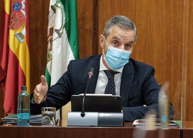 El consejero de Hacienda, Juan Bravo, en una imagen de archivo durante una comparecencia parlamentaria.