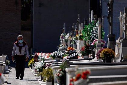 Los cementerios españoles tendrán control de aforo el Día de Todos los Santos y aconsejan visitas breves por la pandemia