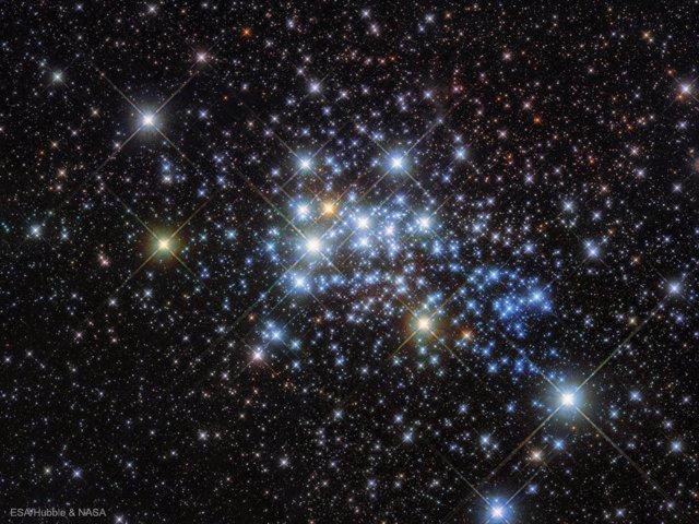 Cúmulo de estrellas masivo llamado Westerlund 1