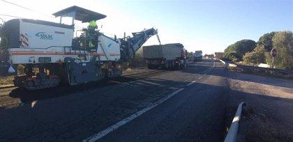 La Junta invierte 127.000 euros en la mejora del firme de la A-5150 a su paso por Pozo del Camino (Huelva)