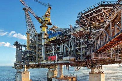 Chevron pierde 177 millones en el tercer trimestre por la caída del precio del petróleo