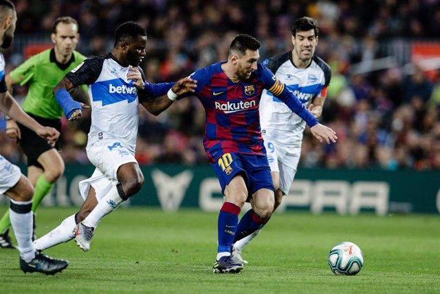 10 Lionel Messi from Argentina of FC Barcelona during La Liga match between FC Barcelona and Deportivo Alaves at Camp Nou on December 21, 2019 in Barcelona, Spain.