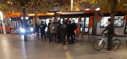 Detenidas cinco personas en Zaragoza tras una protesta negacionista en contra del toque de queda