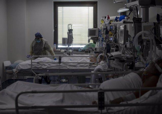Unidad de Cuidados Intensivos (UCI) de un hospital