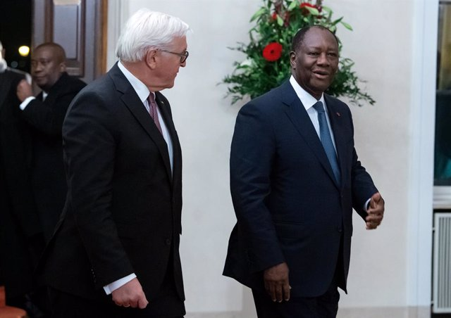 18 November 2019, Berlin: German President Frank-Walter Steinmeier (L), welcomes Alassane Ouattara, President of Cote d'Ivoire, at the Bellevue palace, before a dinner for the leaders participating in the G20 Compact with Africa Conference. Photo: Bernd v