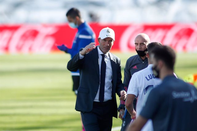 Zinedine Zidane, head coach of Real Madrid, gestures during the spanish league, La Liga Santander, football match played between Real Madrid and SD Huesca at Alfredo Di Stefano stadium on October 31, 2020, in Valdebebas, Madrid, Spain.