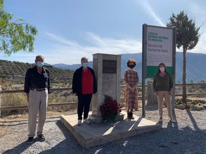 El PSOE homenajea a víctimas del franquismo en Órgiva (Granada) y pide a la Junta que no desarbole políticas de Memoria