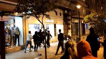 Disturbios en Logroño tras una convocatoria organizada por redes sociales contra las restricciones