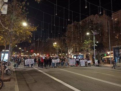 Unas 600 personas piden reabrir el sector cultural en una marcha en Barcelona