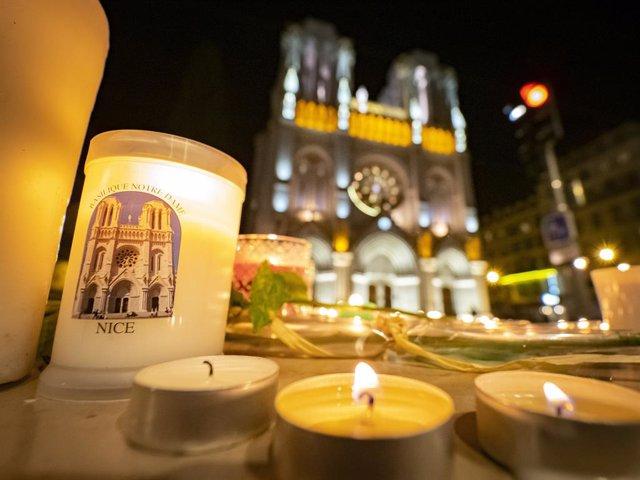 Homenaje a las víctimas del atentado terrorista de Niza