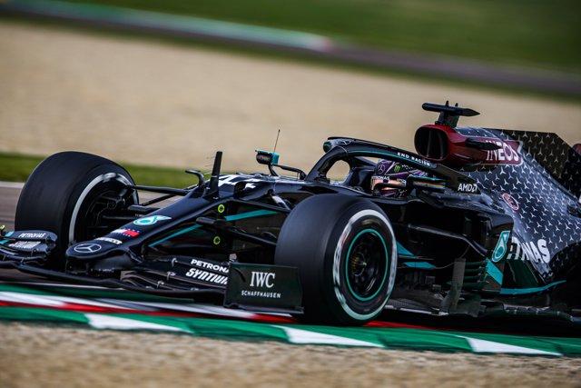 44 HAMILTON Lewis (gbr), Mercedes AMG F1 GP W11 Hybrid EQ Power+, action during the Formula 1 Emirates Gran Premio Dell'emilia Romagna 2020.