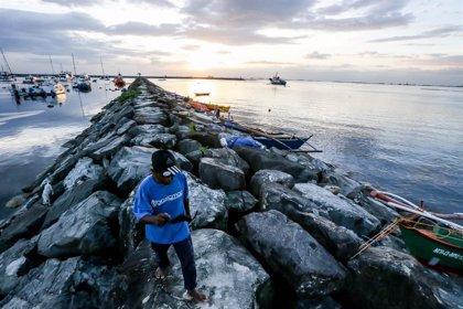 AMP.- Filipines.- 'Goni', el tifó més gran de l'any, deixa 10 morts i 420.000 desplaçats