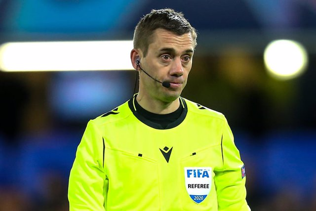 Referee Clement Turpin during the Champions League match between Chelsea and Bayern Munich at Stamford Bridge, London, England on 25 February 2020. Photo Ian Stephen/ ProSportsImages / DPPI