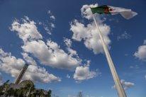 Bandera de Argelia en la mezquita de Argel