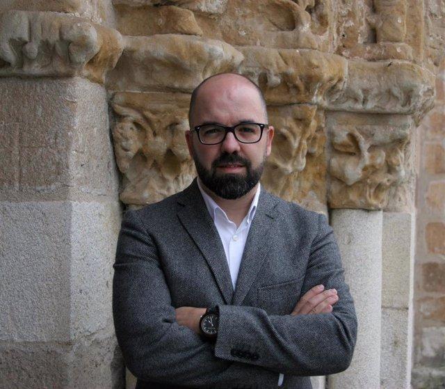 El periodista y escritor José María Sadia.