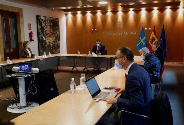 Reunión del Comité de crisis.