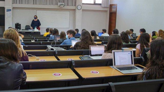 Clases en la UIB el primer día del curso 2020-2021.