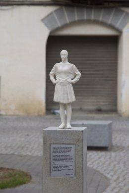 Pla general de l'escultura abans de ser destrossada. Imatge publicada el 2 de novembre del 2020. (Horitzontal)