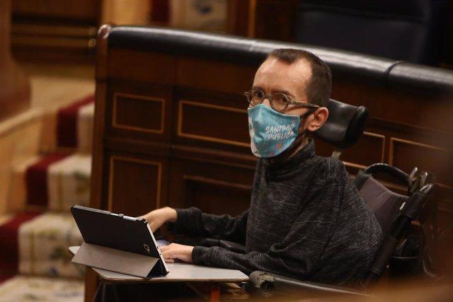 El portavoz de Unidas Podemos en el Congreso, Pablo Echenique, durante una sesión plenaria en la que el Gobierno solicita al Congreso la prórroga del estado de alarma debido a la crisis sanitaria del Covid-19, en Madrid, (España), a 29 de octubre de 2020.