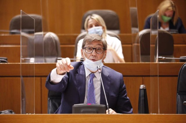 El consejero de Industria, Competitividad y Desarrollo Empresarial, Arturo Aliaga