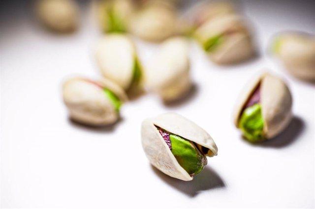 La Fundación Dieta Mediterránea coloca a los pistachos en la cúspide de los pistachos de la nueva pirámide