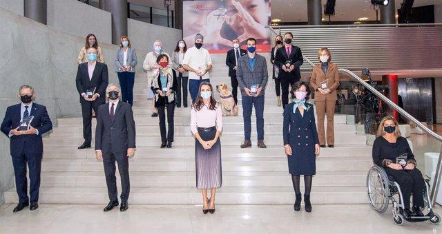La Reina Letizia y la presidenta del Banco Santander, Ana Botín, entregan los premios  de la XII Convocatoria 'Euros de tu nómina'