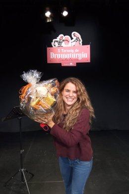 Pla obert de la semifinalista del X Torneig de Dramatúrgia, Lara Díez, després de proclamar-se guanyadora en el combat el 2 de novembre de 2020 (Vertical)