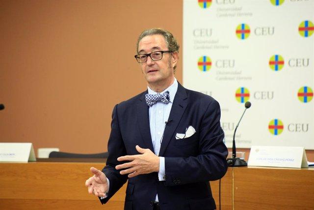 El abogado Juan de Dios Crespo en una charla en el CEU Cardenal Herrera en Valencia