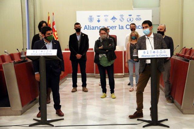 Pla obert del conseller Chakir el Homrani amb els alcaldes de la Conca d'Òdena. 3 de novembre de 2011. (Horitzontal)