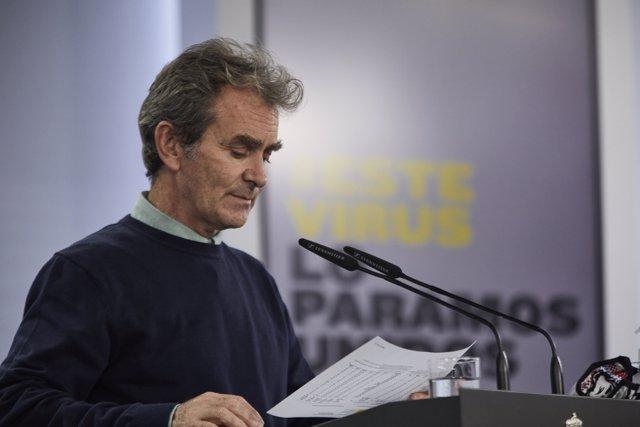 El director del Centro de Coordinación de Alertas y Emergencias Sanitarias (CCAES), Fernando Simón, durante la rueda de prensa