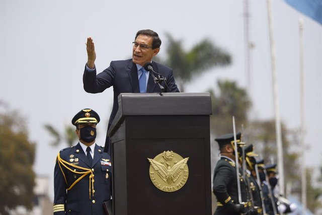 HANDOUT - 26 October 2020, Peru, Lima: Peruvian President Martin Vizcarra, delivers a speech during a ceremony marking the Day of Veterans of War and National Pacification in Peru. Photo: Juanpa Azabache/Presidencia Peru/dpa - ATENCIÓN: Sólo para uso edit