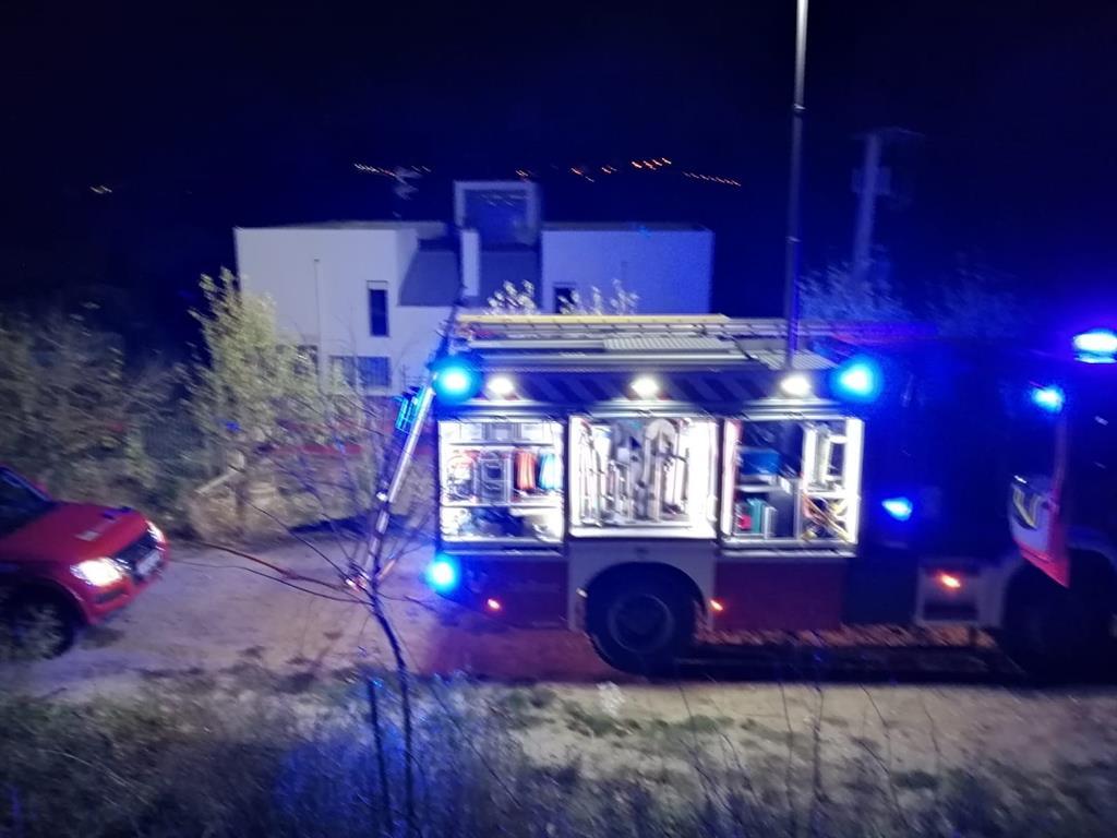 Rescatadas dos personas del incendio de su casa en Miranda de Arga