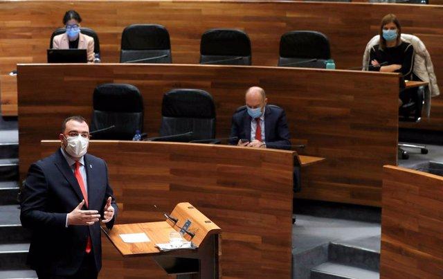El presidente del Principado, Adrián Barbón, durante su intervención en el Debate de Orientación Política