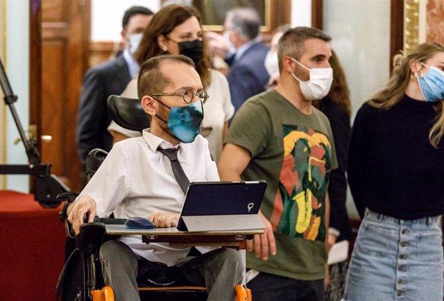 El portavoz de Unidas Podemos, Pablo Echenique, durante el Homenaje a Manuel Azaña en conmemoración del 80º aniversario de su muerte celebrado en el Congreso de los Diputados, en Madrid (España), a 3 de noviembre de 2020.