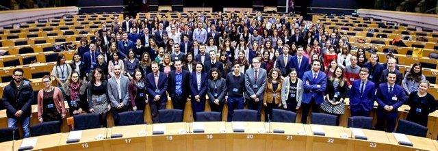 El Parlament Europeu ofereix una beca Robert Schuman per a la seva oficina a Barcelona
