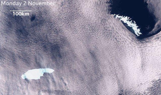 Imagen de satélite de A68, a la izquierda, aproximándose a Georgia del Sur