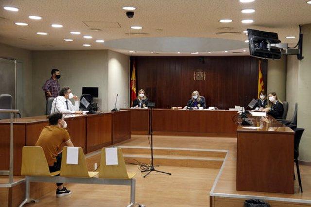 Pla general de l'Audiència de Lleida durant el judici a l'acusat d'abusar d'una noia al Pont de Suert. Imatge del 4 de novembre de 2020. (Horitzontal)