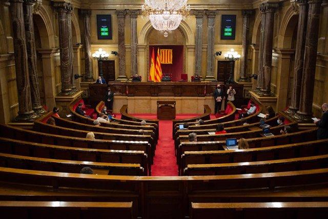 Vista de l'hemicicle en una sessió de control al Parlament. Barcelona, Catalunya (Espanya),  4 de novembre del 2020.