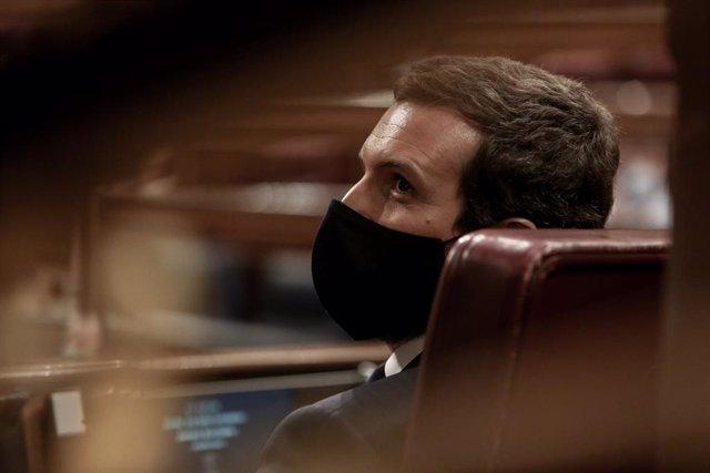 El líder del PP, Pablo Casado, durante una sesión plenaria en la que el Gobierno solicita al Congreso la prórroga del estado de alarma debido a la crisis sanitaria del Covid-19, en Madrid, (España), a 29 de octubre de 2020.