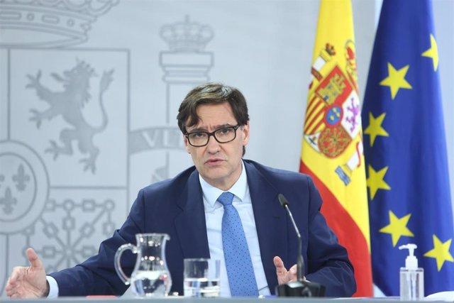 El ministro de Sanidad, Salvador Illa, ofrece una rueda de prensa tras la celebración del Consejo Interterritorial en el Complejo de Moncloa, en Madrid, (España), a 4 de noviembre de 2020. Durante la reunión de esta tarde, el Consejo Interterritorial de S
