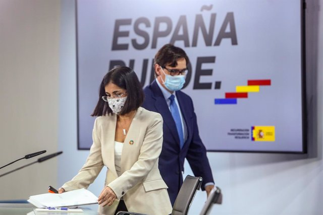 El ministre de Sanitat, Salvador Illa; i la ministra de Política Territorial i Funció Pública, Carolina Darias.