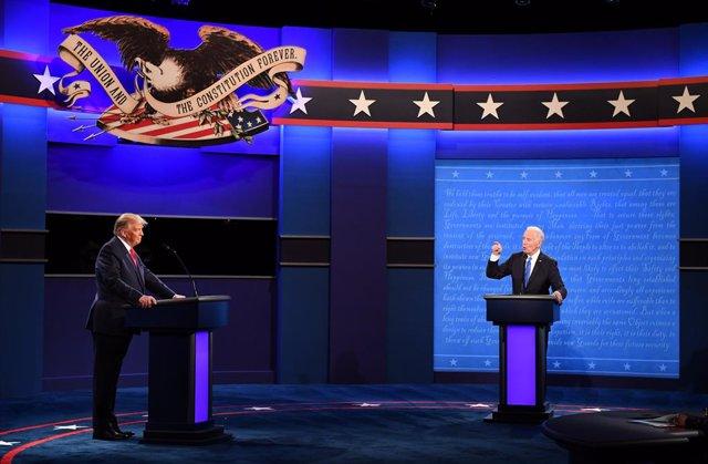 Donald Trump y Joe Biden en el segundo debate presidencial
