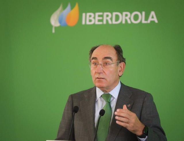 El Presidente de Iberdrola, Ignacio Galán, durante la inauguración de la planta fotovoltaica del Andévalo de Huelva.