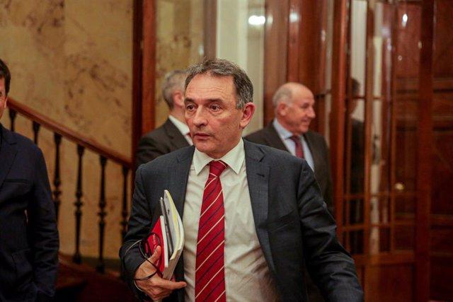 El secretario general del PCE y diputado de Unidas Podemos, Enrique Santiago, en el Congreso de los Diputados el 11 de febrero de 2020.