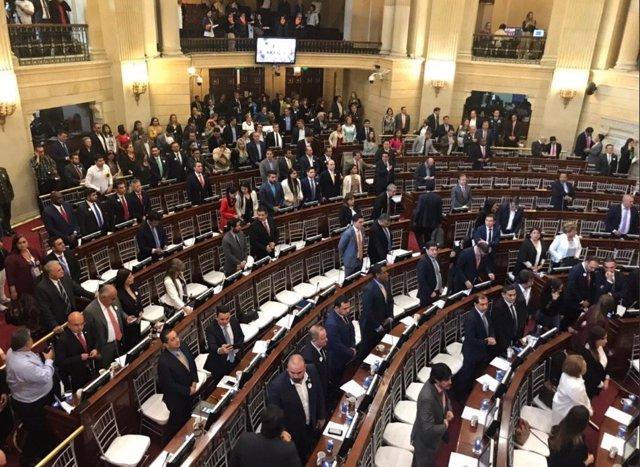 Congreso de Colombia durante homenaje en el Día Nacional de la Memoria y la Solidaridad con las Víctimas.