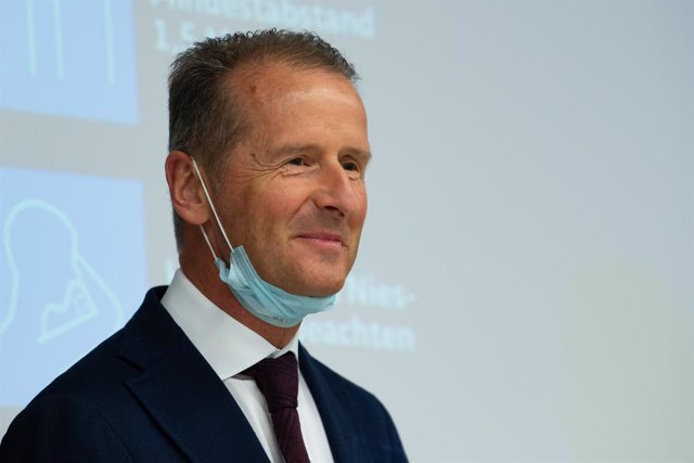FILED - 27 April 2020, Wolfsburg: Herbert Diess, Chairman of the Board of Management of Volkswagen AG, speaks to during a press confrence. Dies expressed his belief that there are slight signs of recovery from the coronavirus pandemic but he believed that