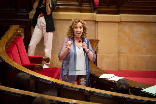 La consellera de Justícia de la Generalitat, Ester Capella, intervé al Parlament. Barcelona, Catalunya (Espanya), 8 de juliol del 2020.