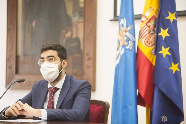 El consejero de Salud Pública de Melilla, Mohamed Mohand, en rueda de prensa