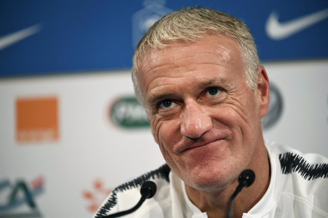 FILED - 15 October 2018, France, Paris: French national soccer team manager Didier Deschamps attends a press conference. Deschamps has extended his contract by two years until 2022. Photo: Ina Fassbender/dpa