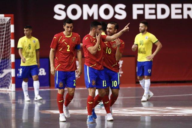 La selección española de fútbol sala vence a Brasil en un amistoso